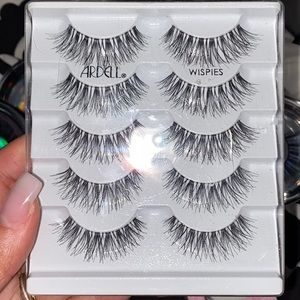 Ardell wispies lashes